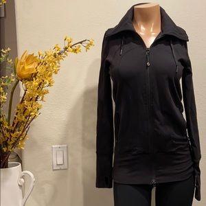 Lululemon black hooded jacket Sz 4